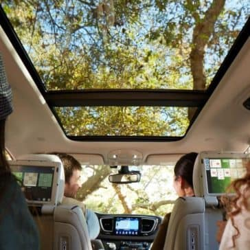 2018Chrysler-Pacifica-Gallery-5