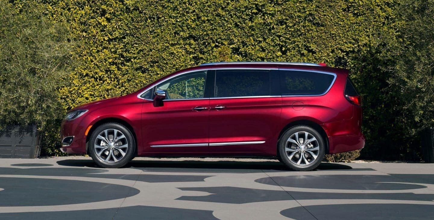 2018-Chrysler-Pacifica-Gallery-8