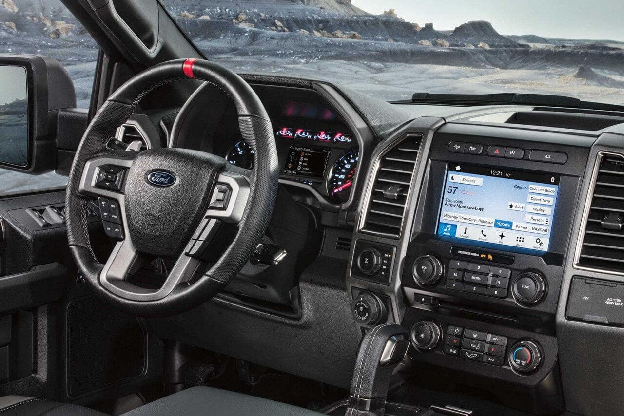 2018-Ford-F-150-Raptor-Interior-Dash
