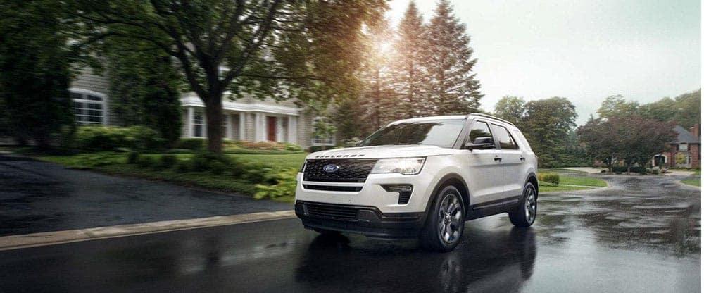 2019-Ford-Explorer-Driving-Down-Street