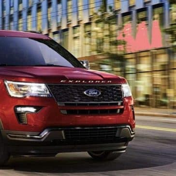 2019-Ford-Explorer-Exterior-on-Street