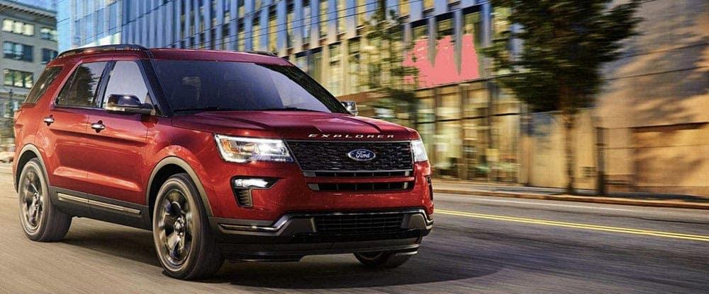2019-Ford-Explorer-Exterior-on-Street
