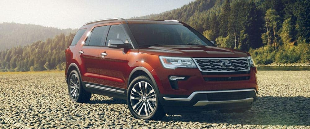 2019-Ford-Explorer-in-Beach