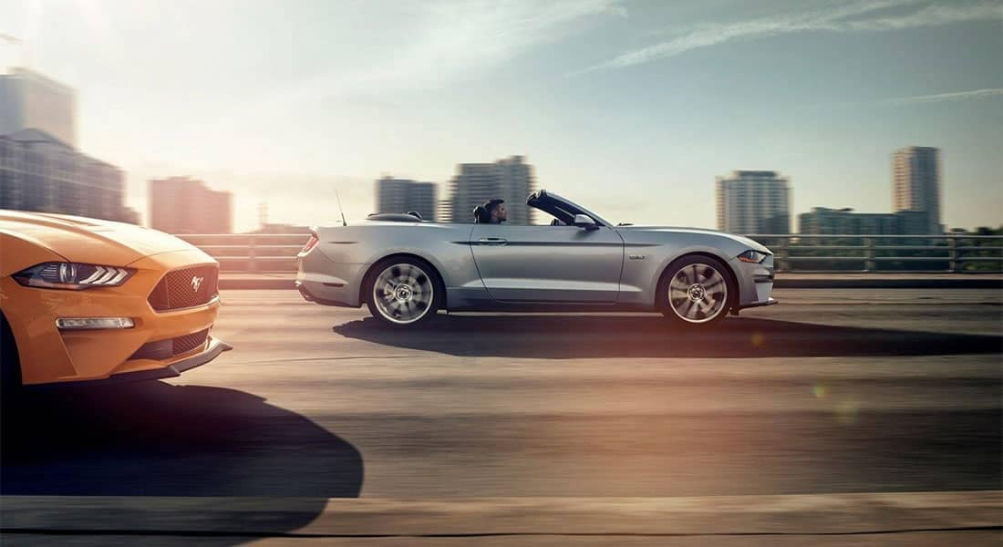 2019-Ford-Mustang-GT-Premium-Convertible-driving