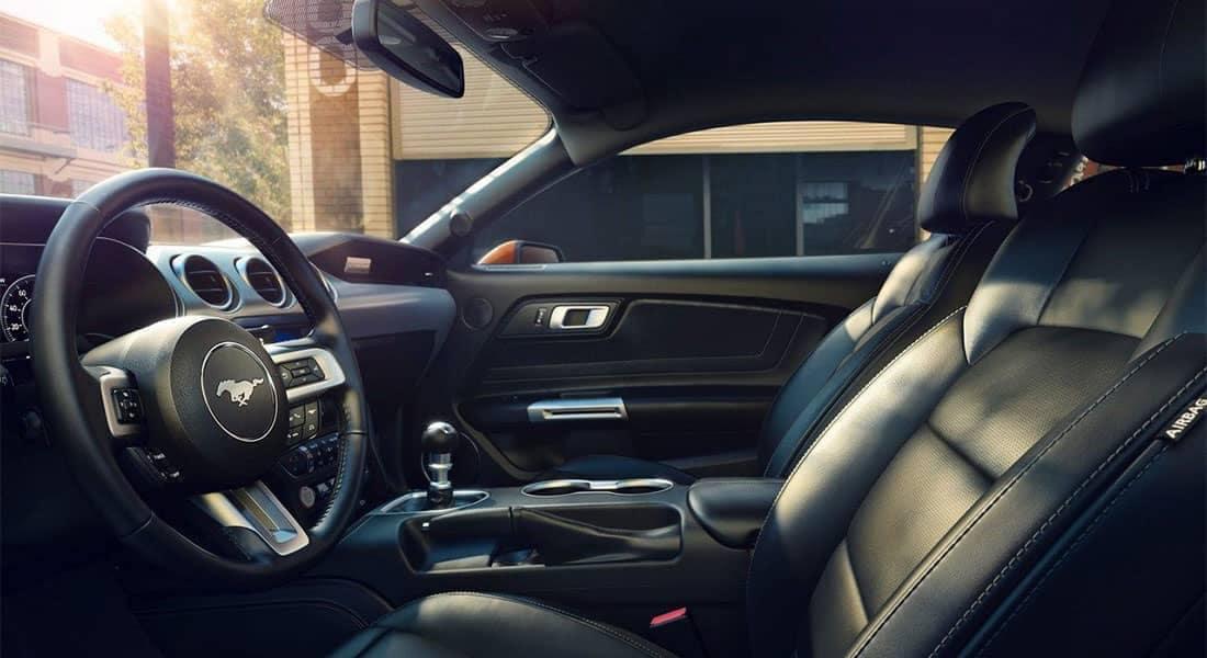 2019-Ford-Mustang-GT-Premium-interior