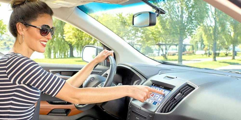 Woman Using Ford SYNC 3