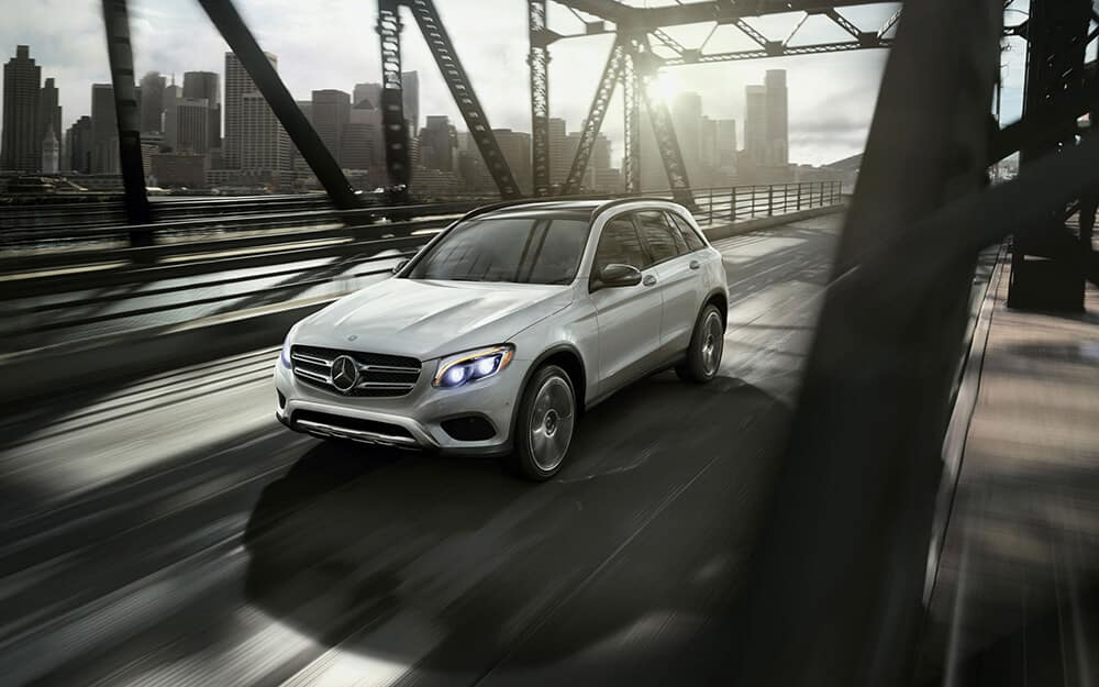 2018 MB GLC 300 driving on bridge