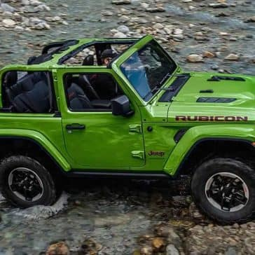 2019 Jeep Wrangler Crossing stream
