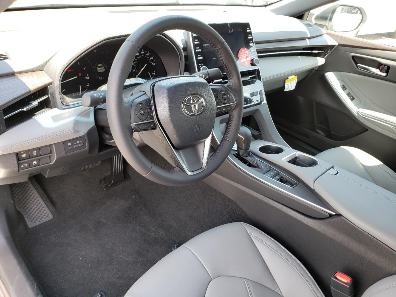 Test drive the new Toyota Avalon.