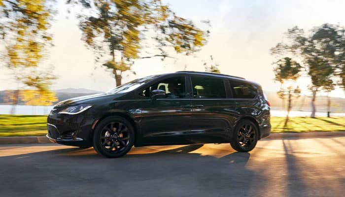 2019 Chrysler Pacifica Driving Outdoors