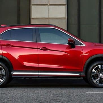 Mitsubishi-Eclipse-Cross-Parked-on-Street