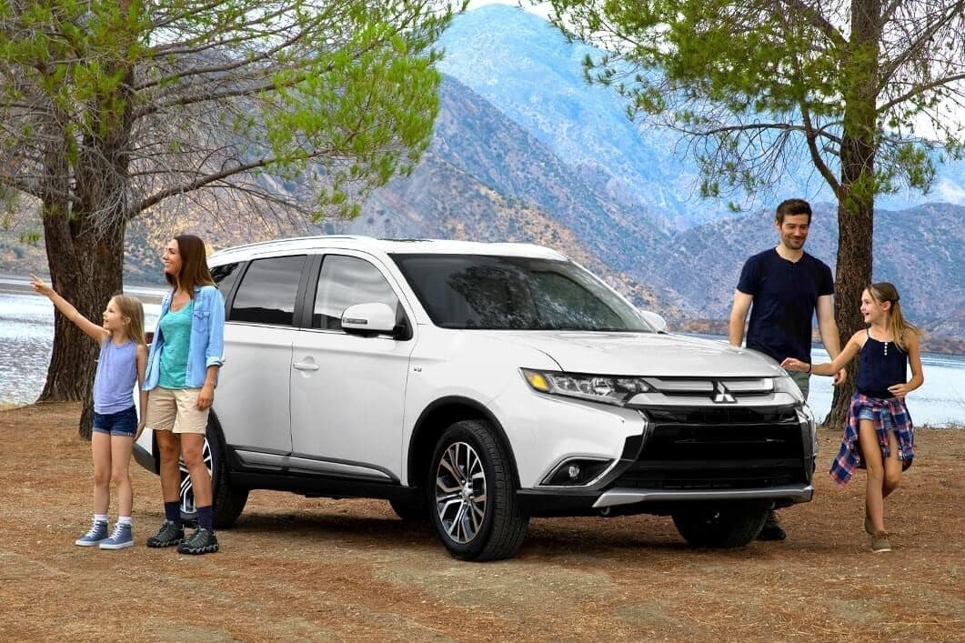 Mitsubishi Outlander 2018 Gallery Family 1 1