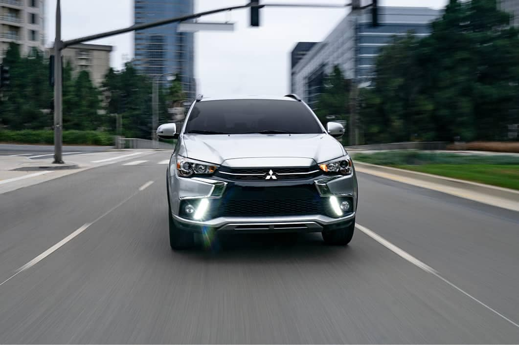 2019-Mitsubishi-Outlander-Sport-LED-daytime-running-lights