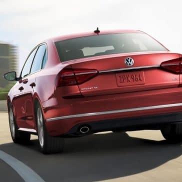 2018 Volkswagen Passat Driving