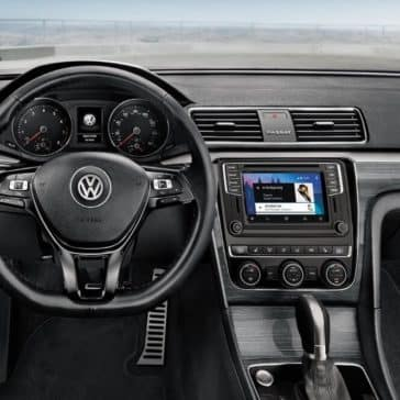 2018 Volkswagen Passat Interior Dashboard Features