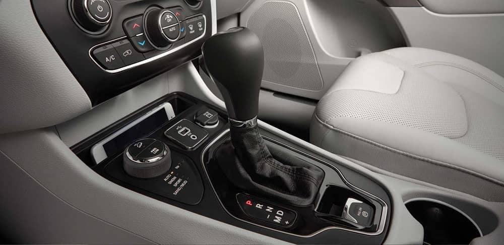 2019 Jeep Cherokee gear shift