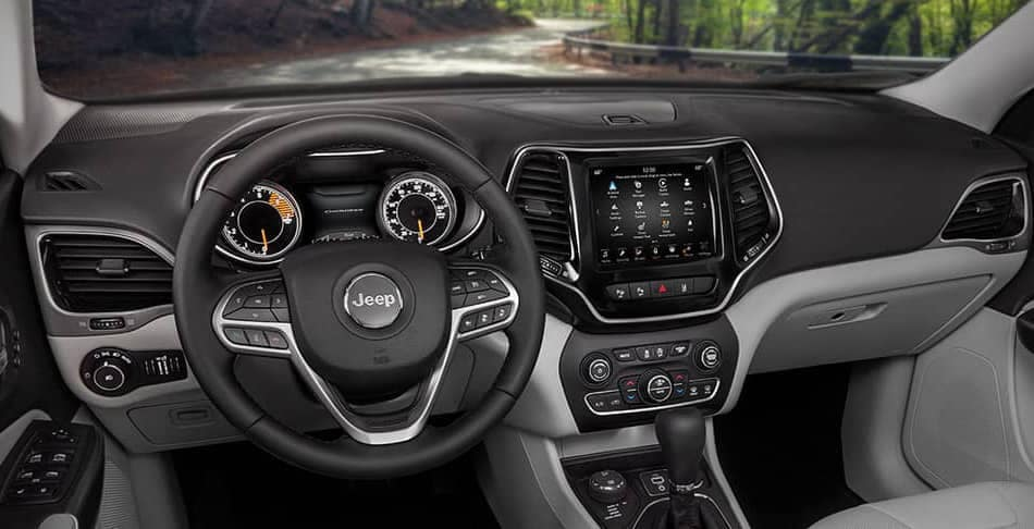 2019 Jeep Cherokee dash and touchscreen view